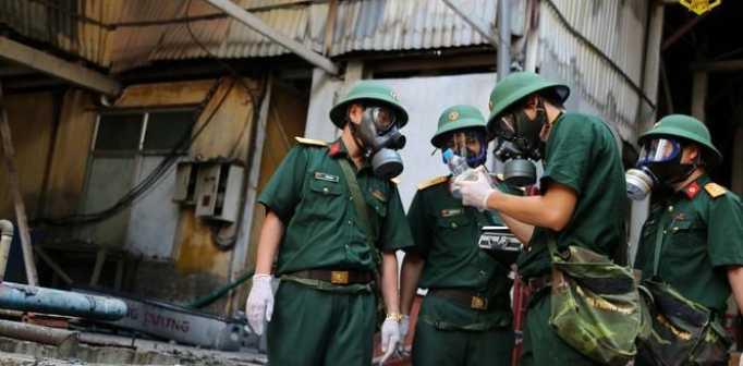 Lấy mấu đánh giá tại sự cố cháy nhà máy Rạng Đông